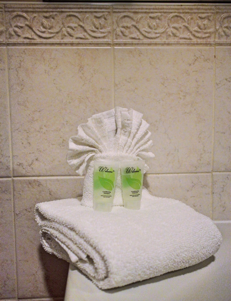 Bathroom Amenities, Hilltop Inn & Suites - North Stonington