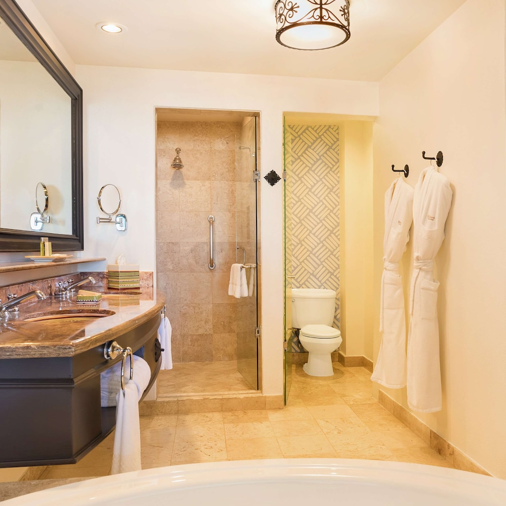 Bathroom, Hilton Los Cabos Beach & Golf Resort