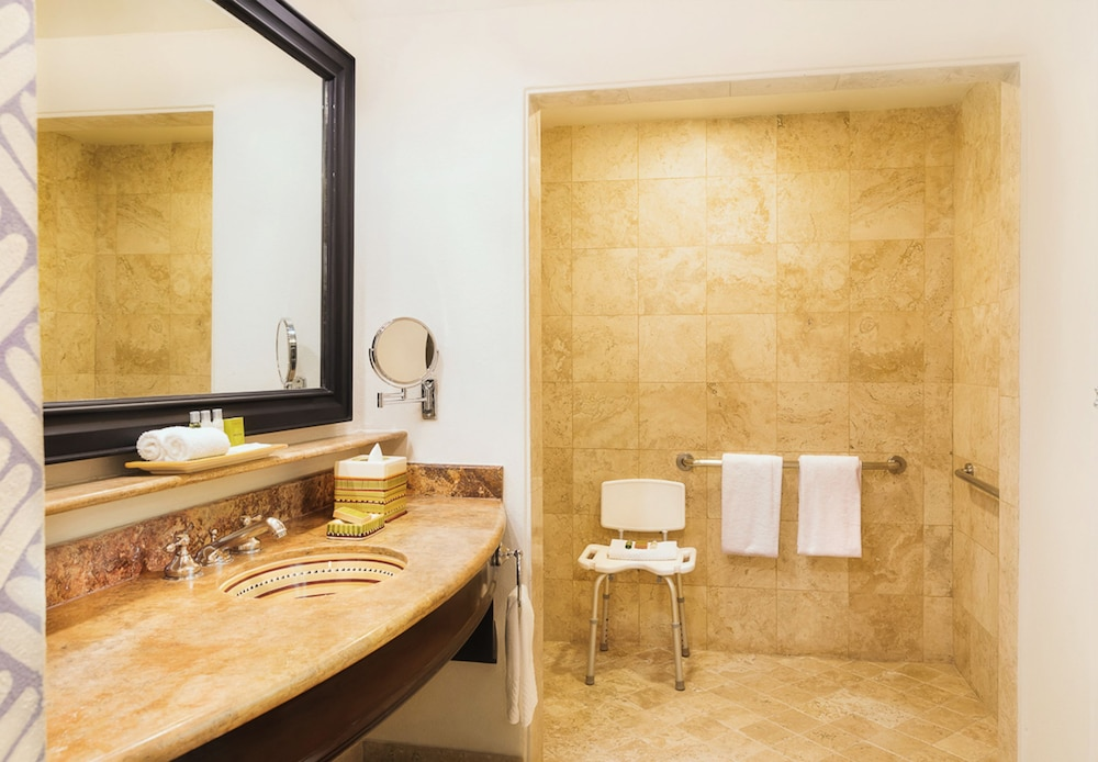 Bathroom Shower, Hilton Los Cabos Beach & Golf Resort