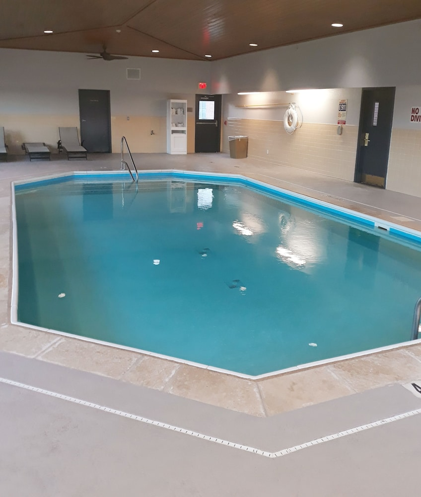 Indoor Pool, Country Inn & Suites by Radisson, DFW Airport South, TX