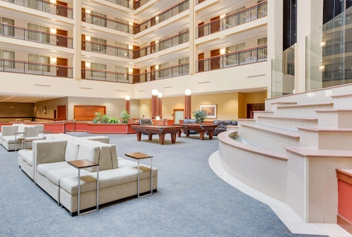 Embassy Suites Cleveland Rockside