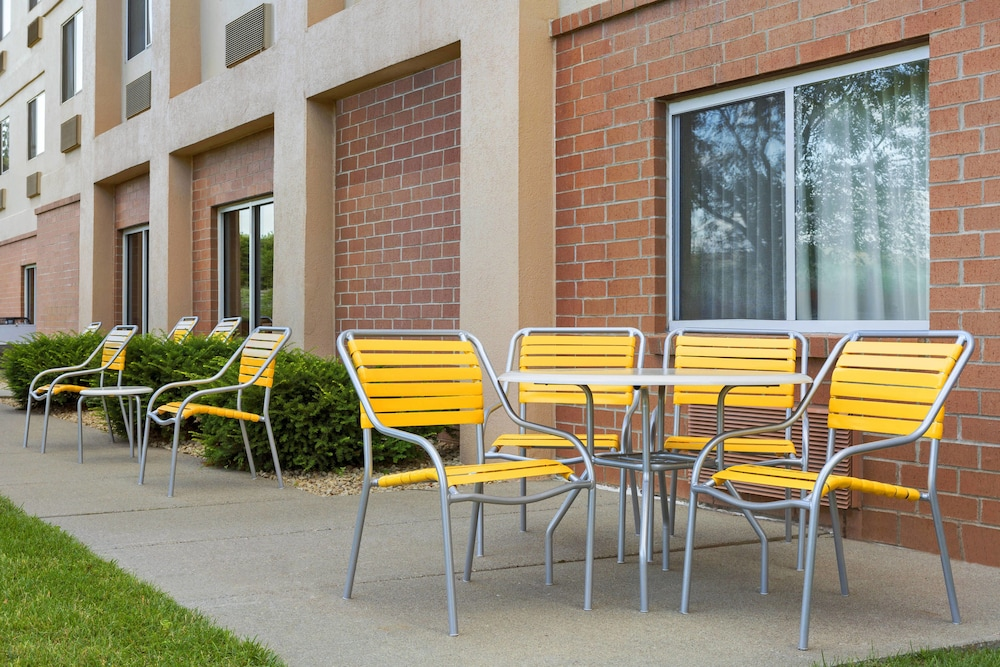 Terrace/Patio, Fairfield Inn & Suites Minneapolis-St. Paul Airport