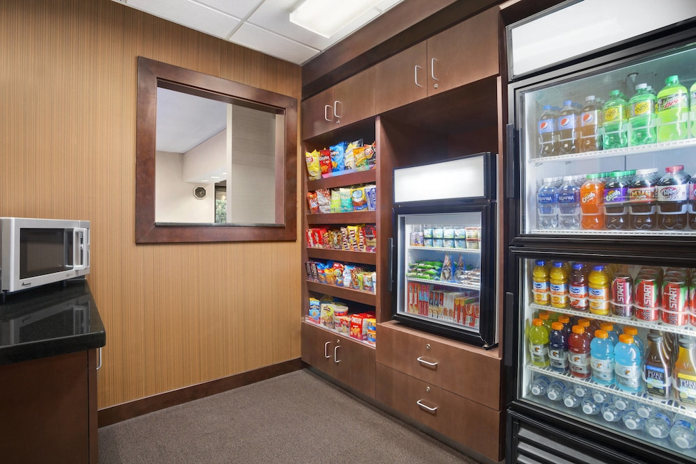 Food and Drink, Fairfield Inn & Suites Minneapolis-St. Paul Airport