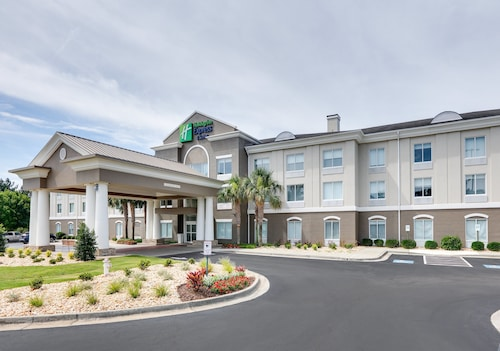 Holiday Inn Express & Suites I-16