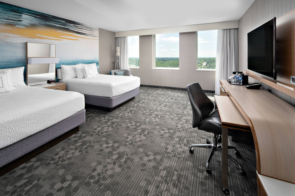 Room, Courtyard by Marriott Edmonton Downtown