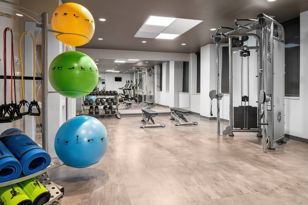 Fitness Facility, Courtyard by Marriott Edmonton Downtown