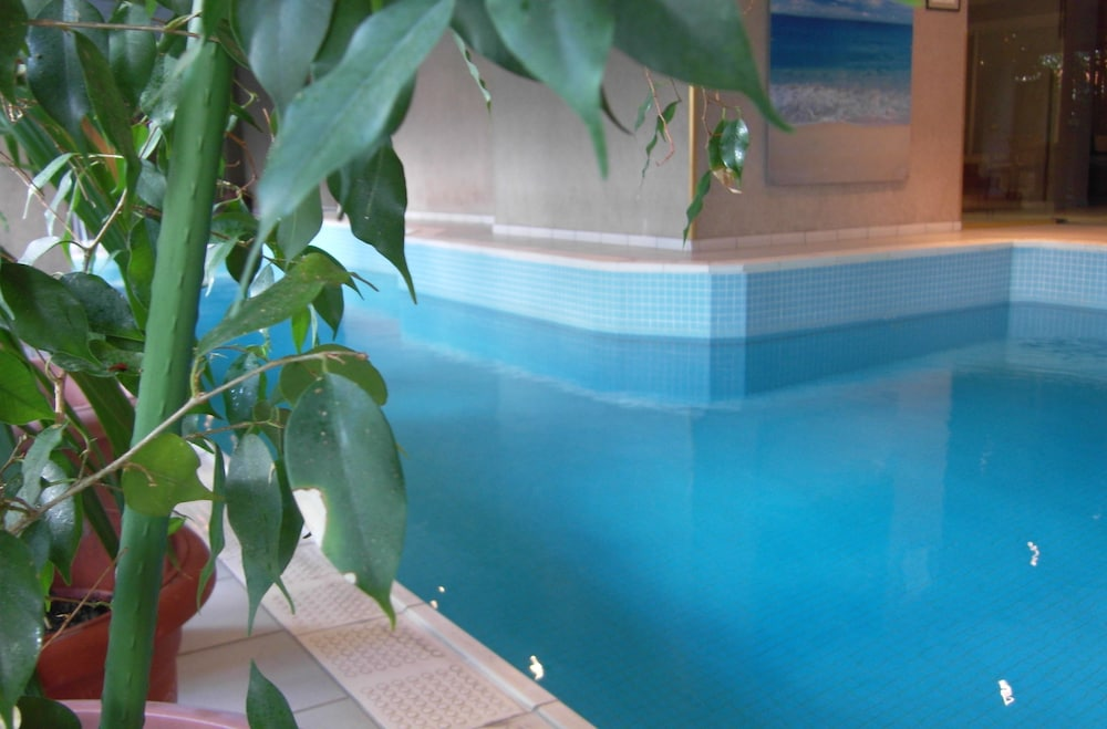 Indoor Pool, Apart Hotel Best
