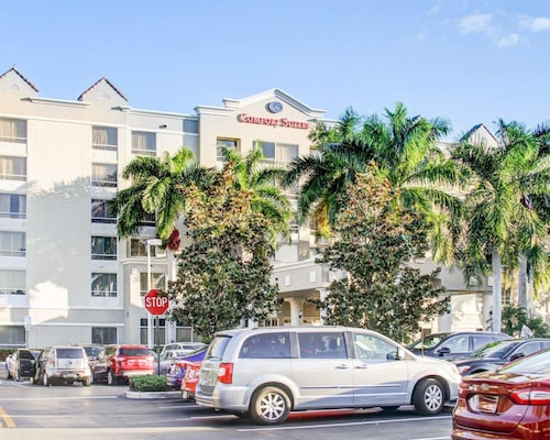 Great Place to stay Comfort Suites Weston - Sawgrass Mills South near Weston