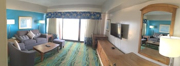 Suite, Oceanfront - Living Room