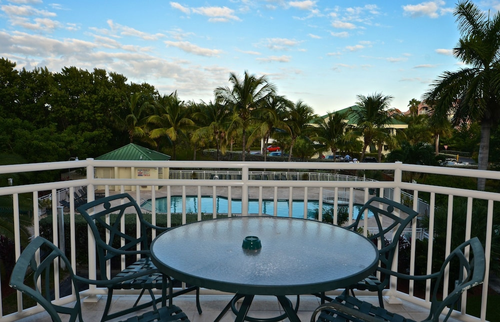 Balcony, Sunrise Suites Resort