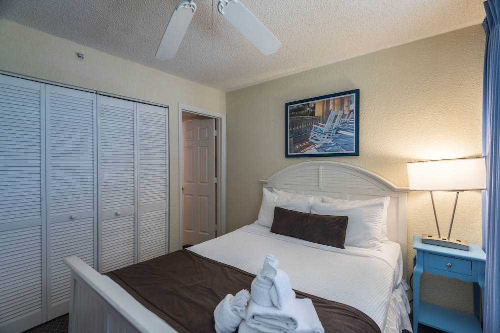 Room, Sunrise Suites Resort