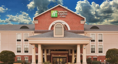 Holiday Inn Express Hotel & Suites Morehead Cty, an IHG Hotel