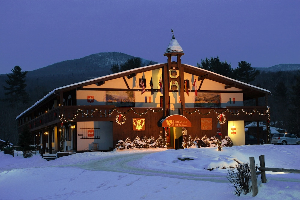 Front of Property - Evening/Night, Innsbruck Inn at Stowe