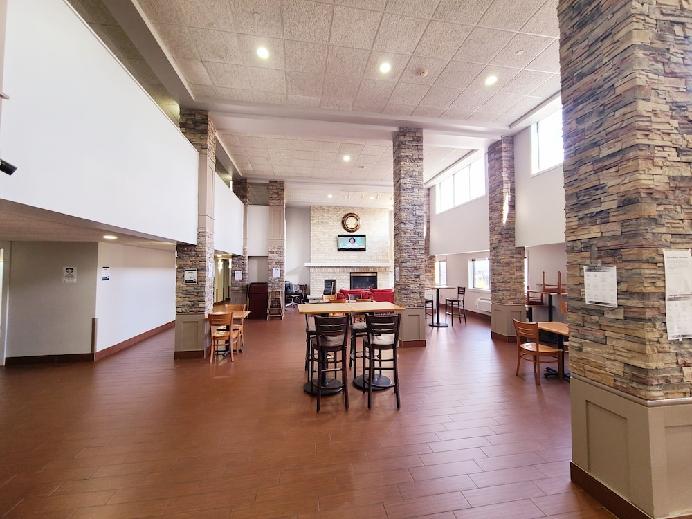 Lobby, AmericInn by Wyndham Inver Grove Heights Minneapolis