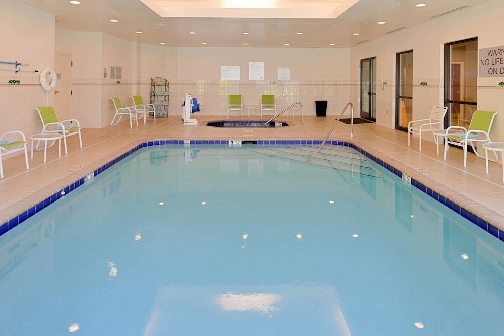 Indoor Pool, Courtyard by Marriott Charlotte Gastonia