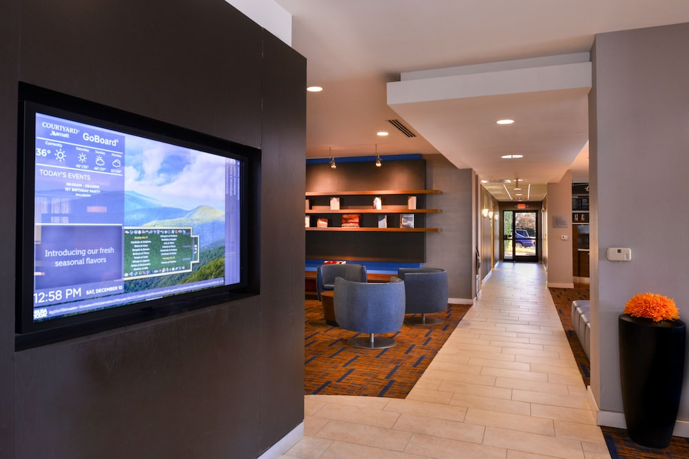 Lobby, Courtyard by Marriott Charlotte Gastonia