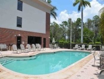 Fort Myers Vacations - Days Inn & Suites Fort Myers Near JetBlue Park - Property Image 1