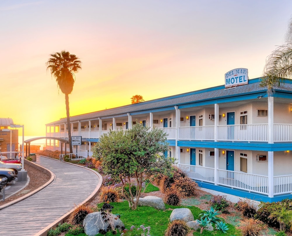 Featured Image, Del Mar Motel on the Beach
