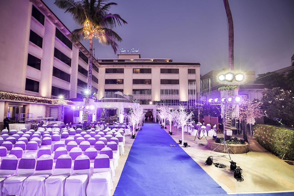 Outdoor Wedding Area, Sun N Sand Hotel Mumbai
