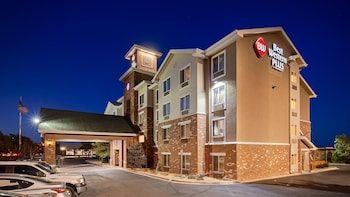 Best Western Plus Gateway Inn & Suites