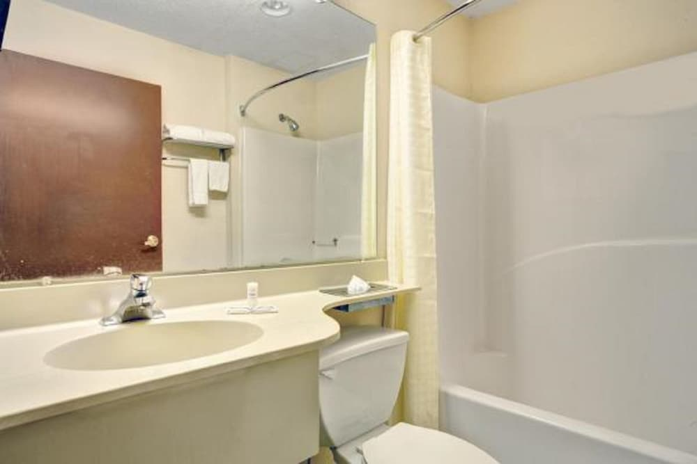 Bathroom, Stay Express Inn & Suites Atlanta