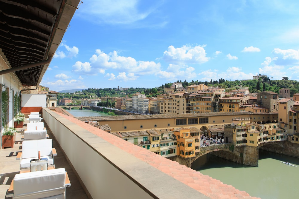 View from Property, Portrait Firenze - Lungarno Collection