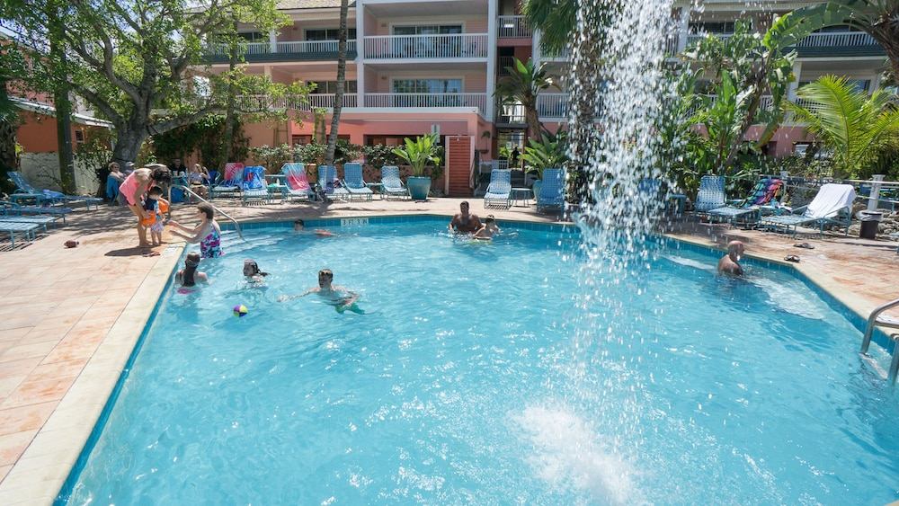 Outdoor Pool, The Lighthouse Resort Inn & Suites