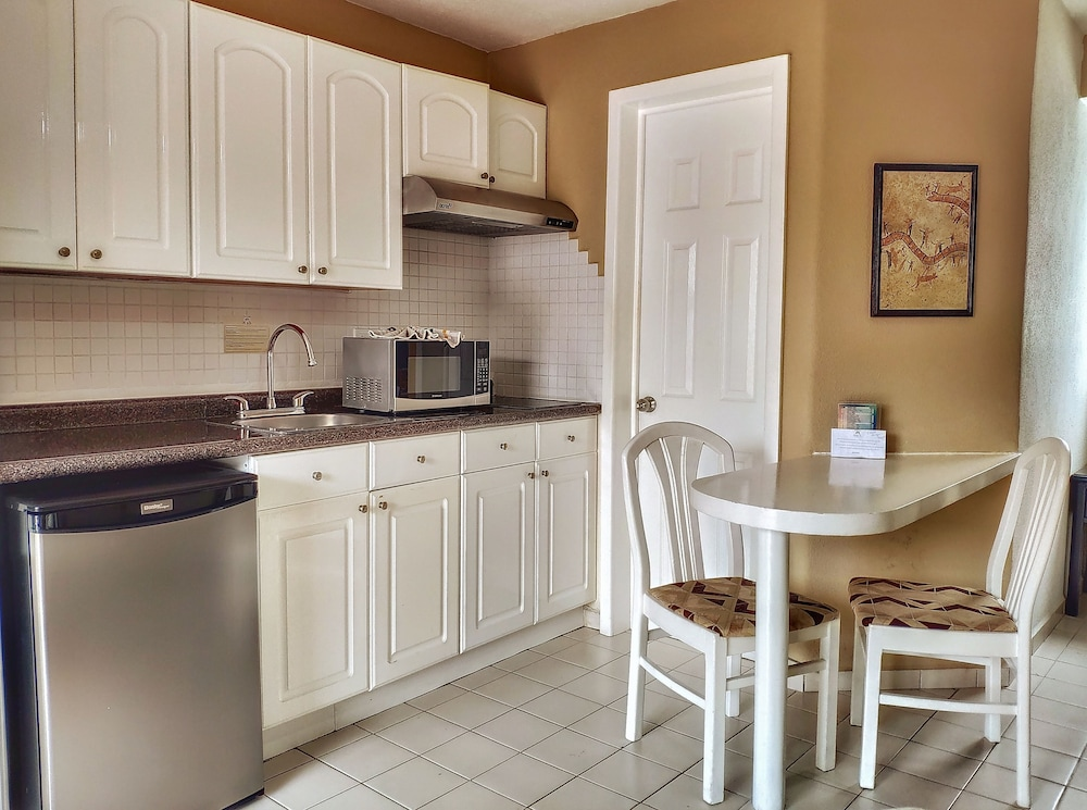 Private Kitchenette, Hotel Santa Fe by Villa Group