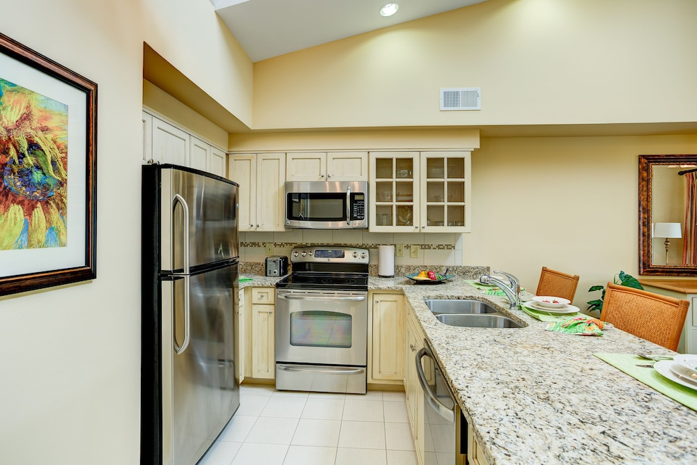 Private Kitchen, Turtle Cay by Diamond Resorts