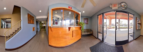 Americas Best Value Inn & Suites Bakersfield E