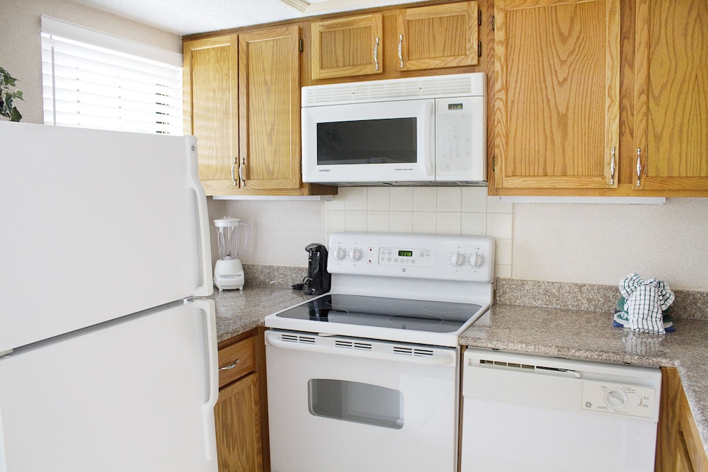 Private Kitchen, Gatlinburg Town Square by Exploria Resorts