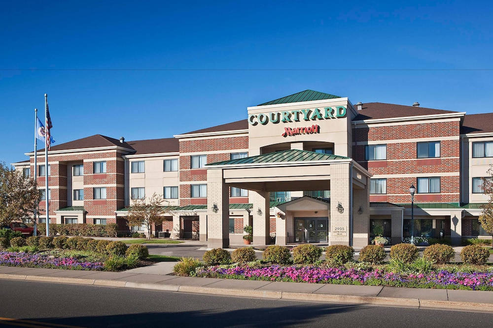 Exterior, Courtyard Minneapolis St. Paul/Roseville by Marriott