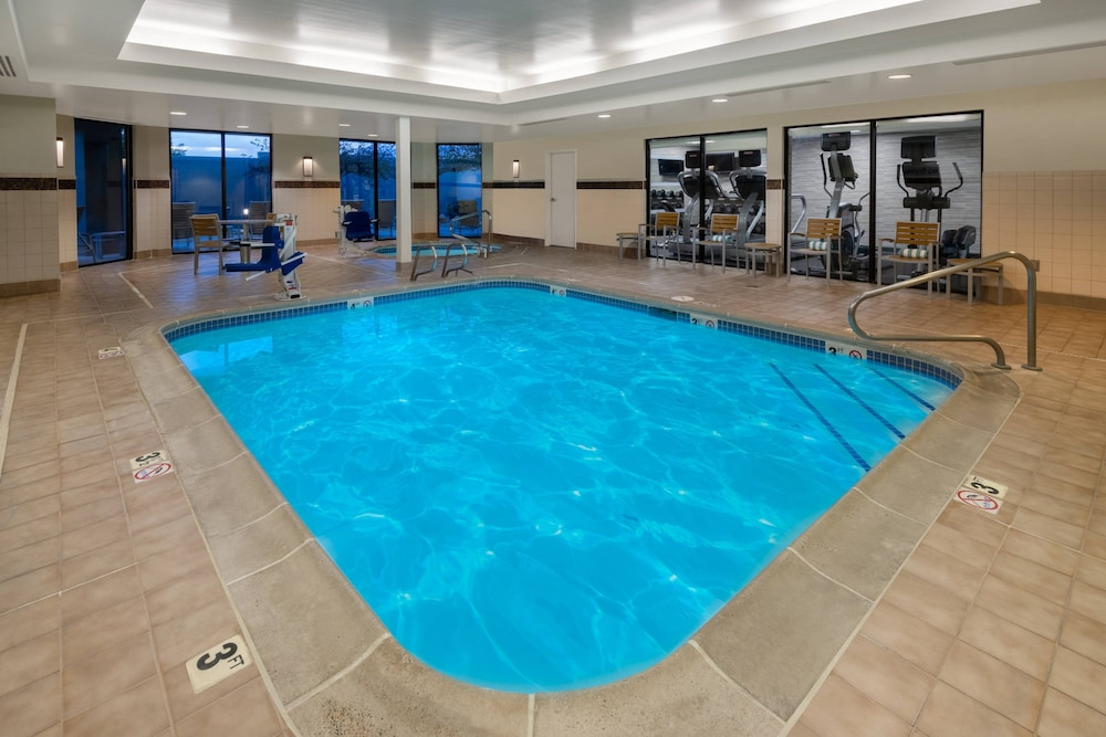Pool, Courtyard by Marriott Reno