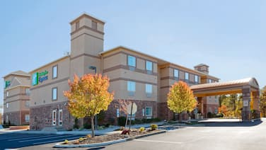 Holiday Inn Express & Suites Absecon-Atlantic City, an IHG Hotel
