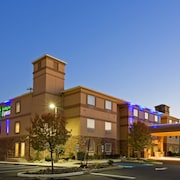 Holiday Inn Express & Suites Absecon-Atlantic City