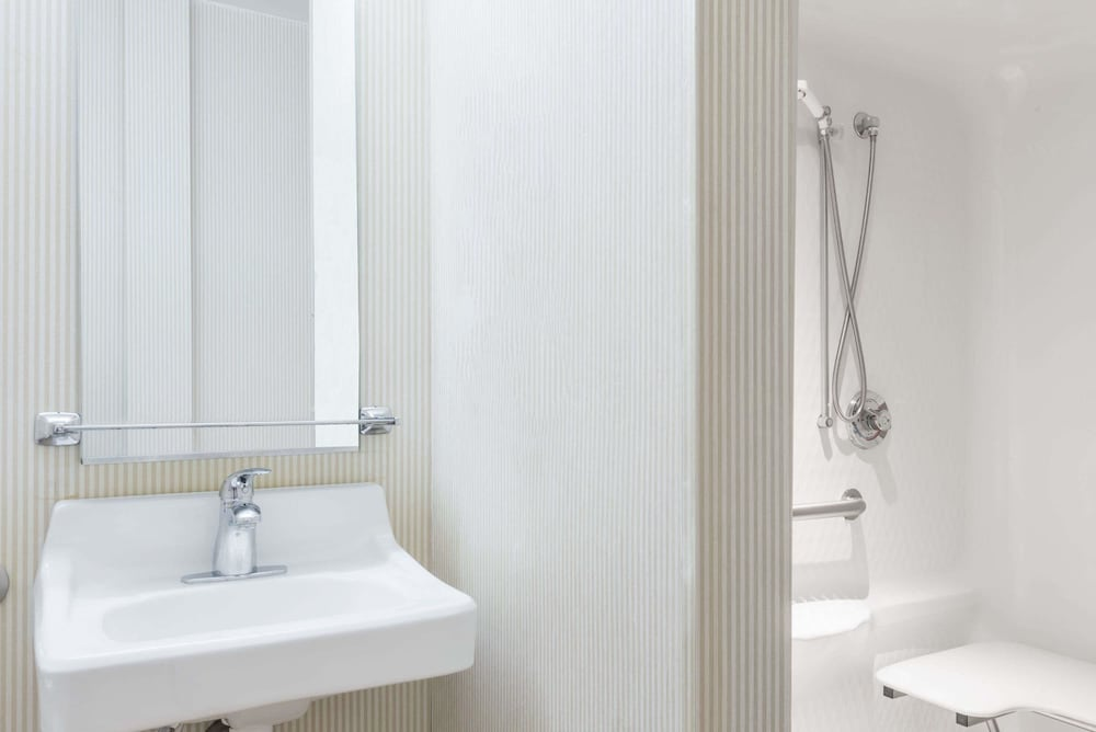 Bathroom, Microtel Inn & Suites by Wyndham Uncasville