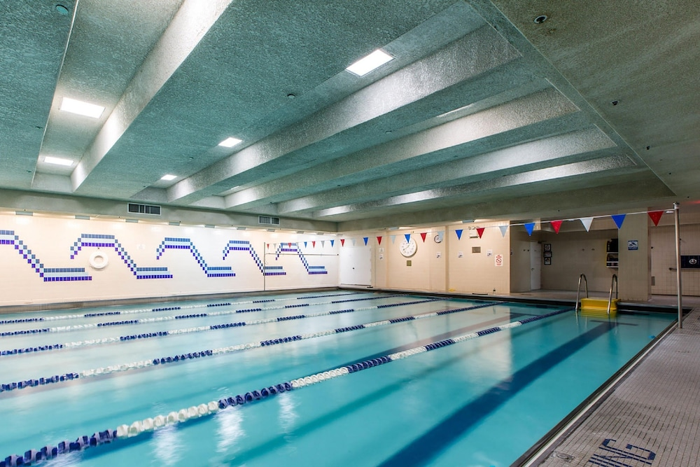Vanderbilt ymca in new york hotel rates reviews on orbitz for Ymca manila swimming pool rates