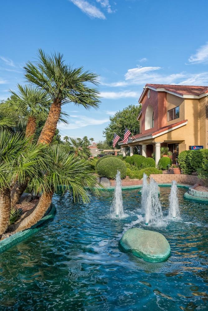 Book Westgate Flamingo Bay Resort Las Vegas Hotel Deals