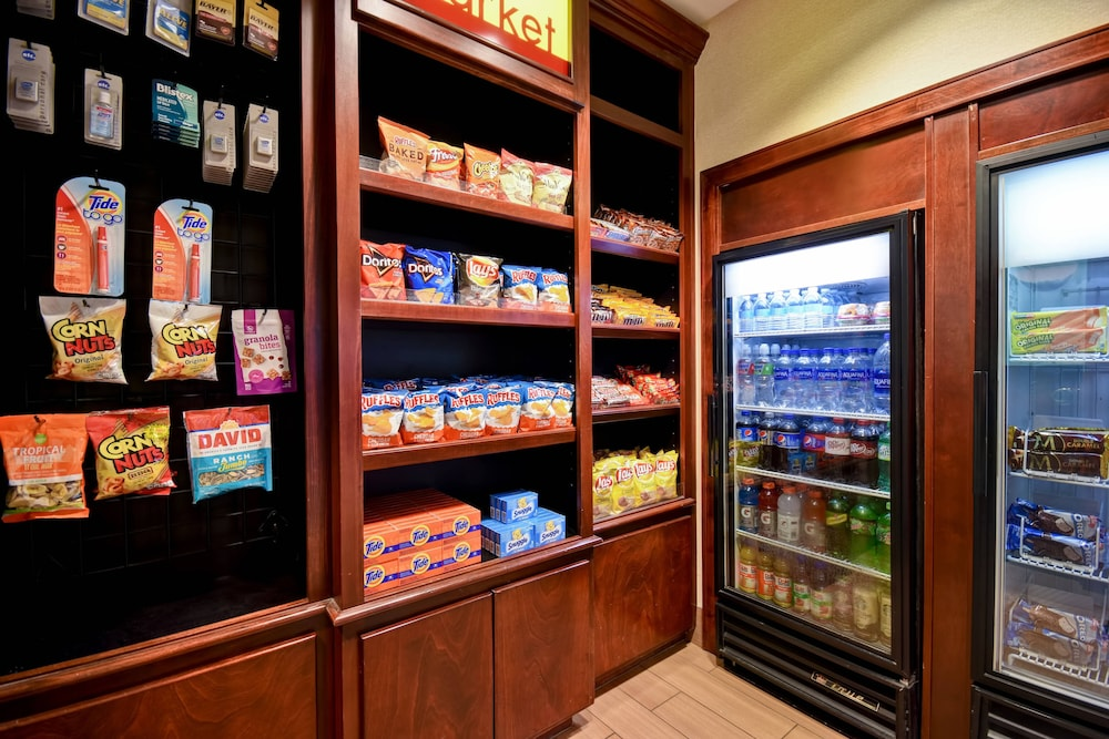 Snack Bar, SpringHill Suites by Marriott Atlanta Buford/Mall of Georgia