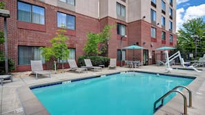 Seasonal outdoor pool, open 6:00 AM to 10:00 PM, pool loungers