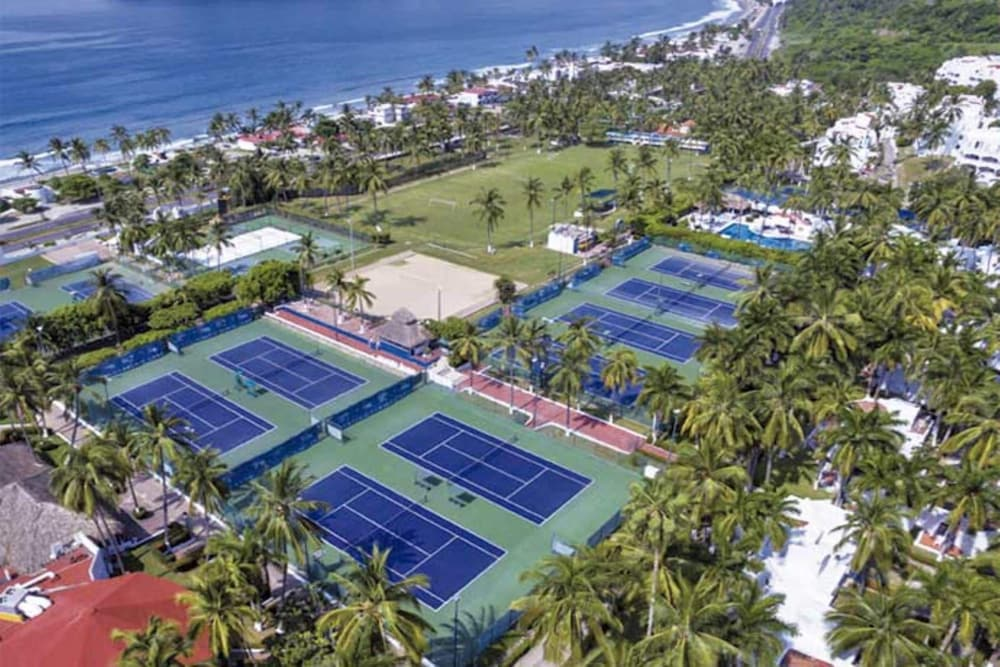 Tennis Court, Palette Gran Festivall Resort by OYO
