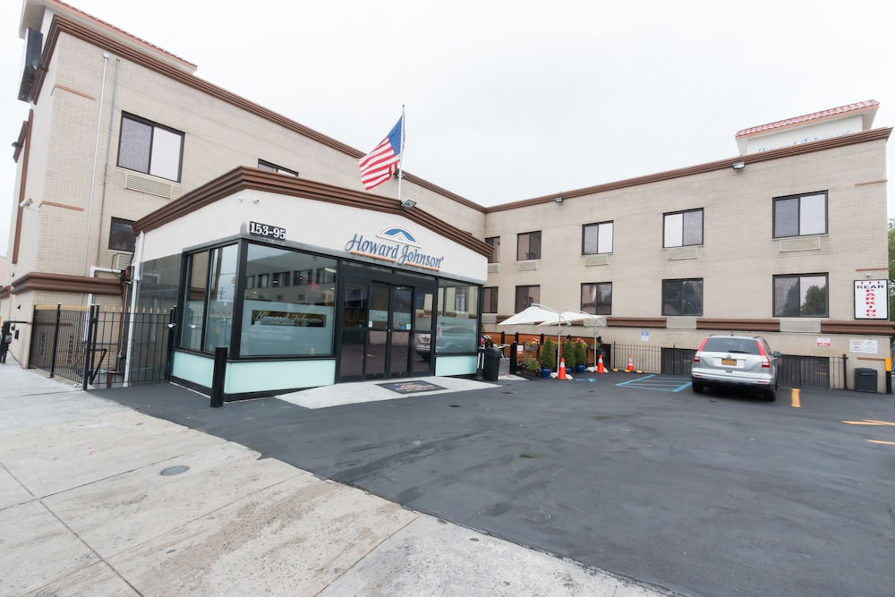 Howard johnson inn jamaica jfk airport nyc 2018 room for Hotels closest to jfk airport
