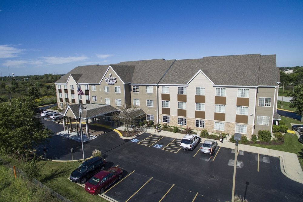 Aerial View, Travelodge by Wyndham Matteson