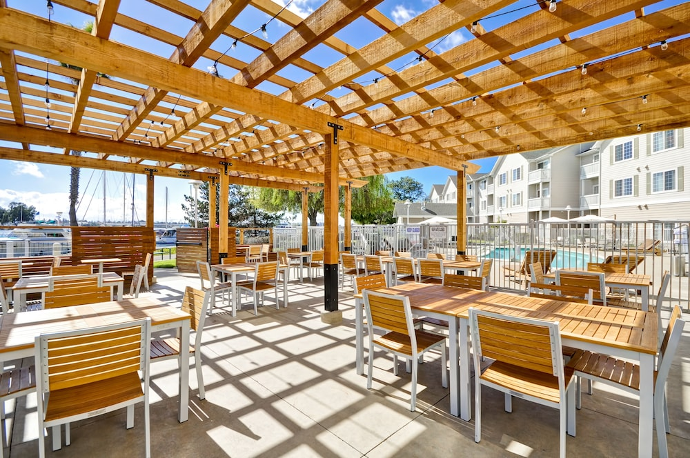 Terrace/Patio, Homewood Suites by Hilton Oakland-Waterfront