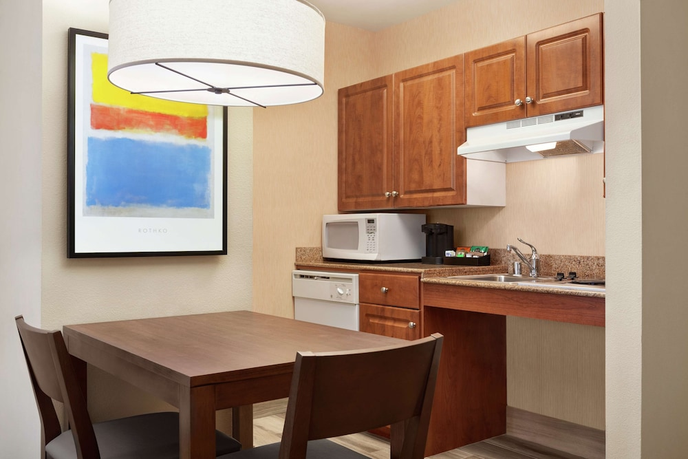 Private Kitchen, Homewood Suites by Hilton Oakland-Waterfront