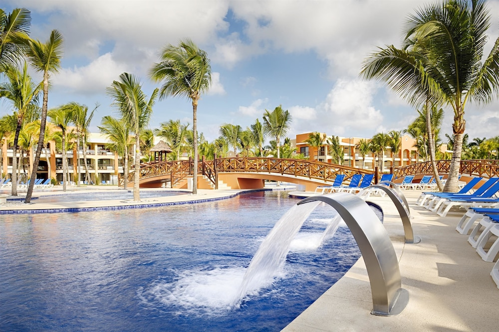 Hotel Grand Caribe Deluxe Opens In New Window