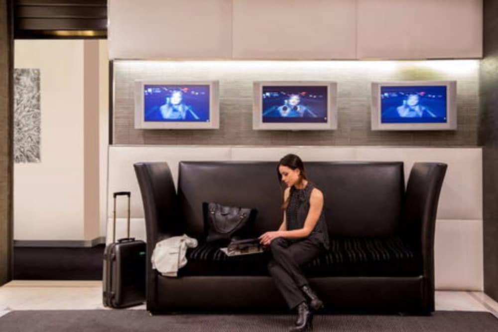 Lobby Sitting Area, Ariston