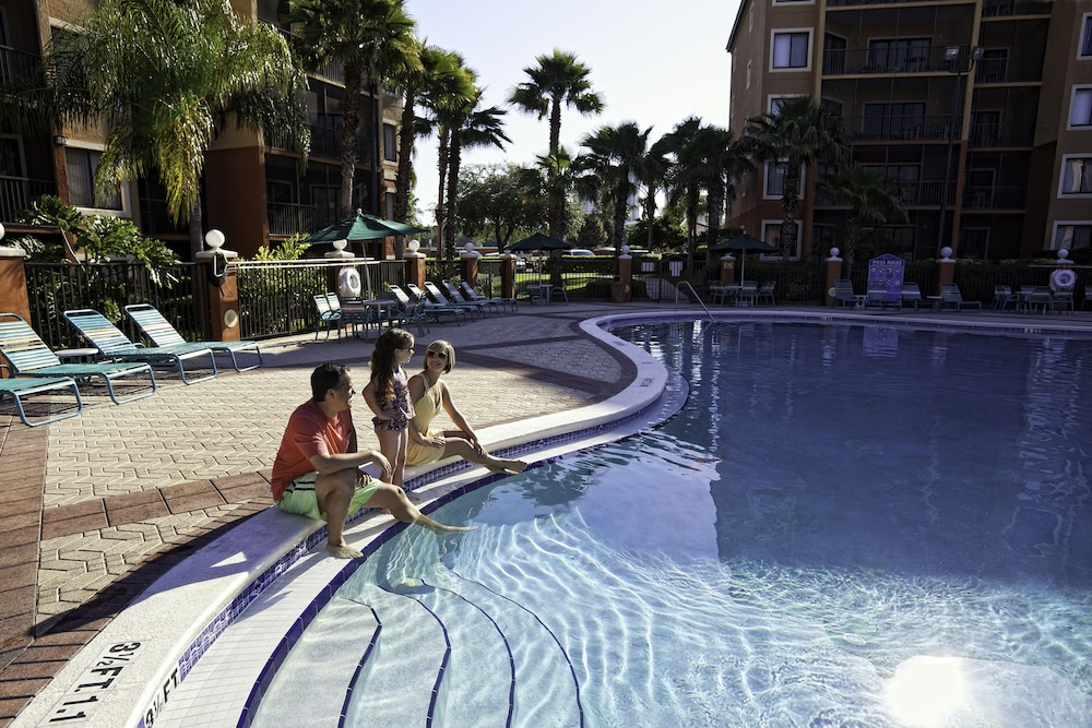 Outdoor Pool, Westgate Lakes Resort & Spa Universal Studios Area