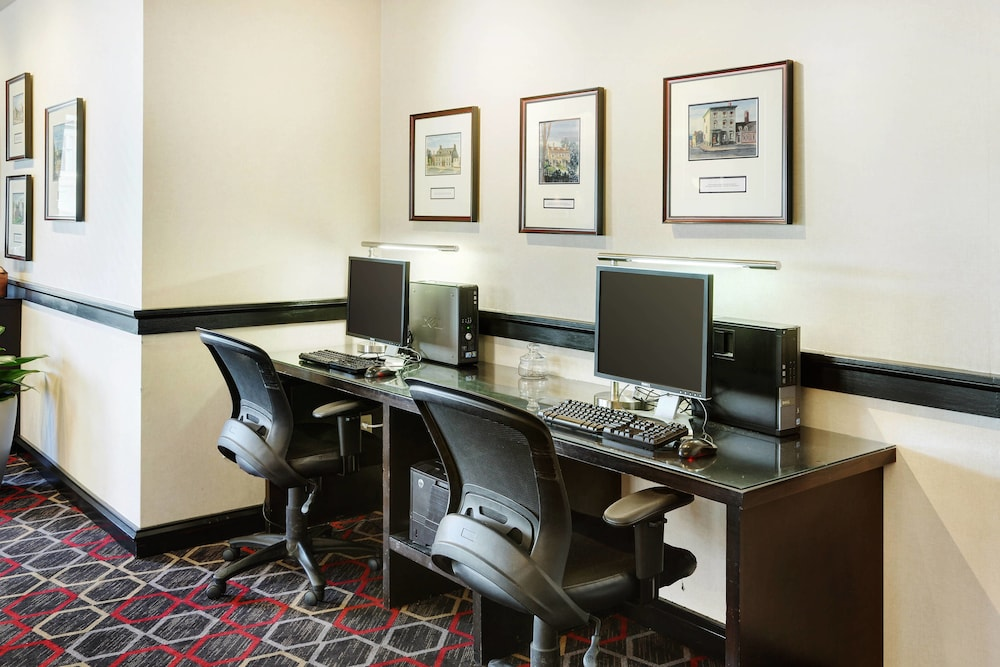 Business Center, Four Points by Sheraton Halifax