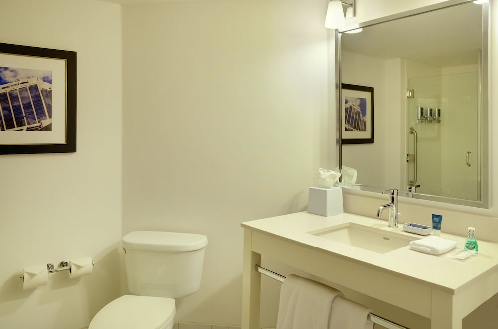 Bathroom, Four Points by Sheraton Halifax